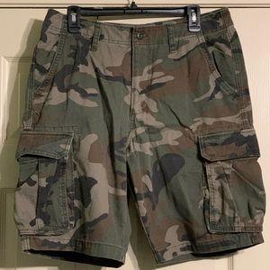 Old Navy Camo Cargo Shorts 33 Men's